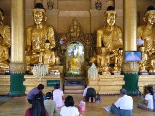 Shwedagon_buddha.jpg