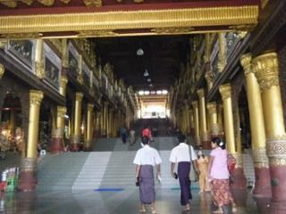 Shwedagon_entrance.jpg